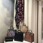 Maroquinerie Manila Grace 👜 Sac vendu avec sa petite pochette... du «2en1» bien pratique 🤗  Boutique La Rebelle  Rue piétonne Hazebrouck